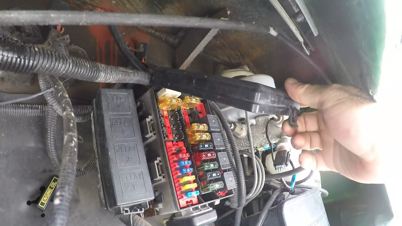 1997 F53 Chassis Fuse Box Locations - Youtube - Fleetwood Motorhome Wiring Diagram Fuse